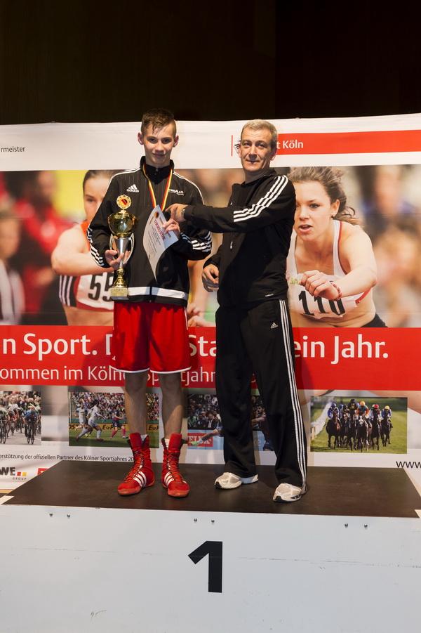 Adnan Ukella und Trainer Gregorij Tolkovets auf der IDJM 2015