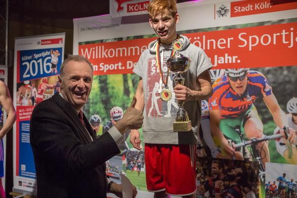 Siegerehrung: Kölns Bürgermeister Dr. Ralf Heinen und Christian Goman
