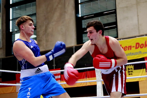 v.l. Stephan Nikitin, Boxing VS und Artur Ohanyan, Bremerhaven