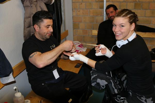Boxlady Nina Meinke freut sich auf Elina Tissen